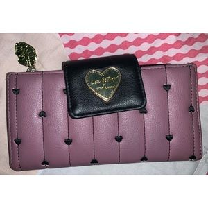 100% Authentic Luv Betsy Johnson Wallet 💓